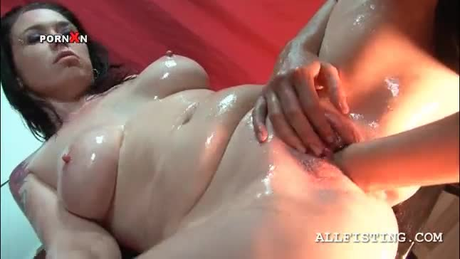 Brunette sex addict lesbo gets deep fisted on a chair